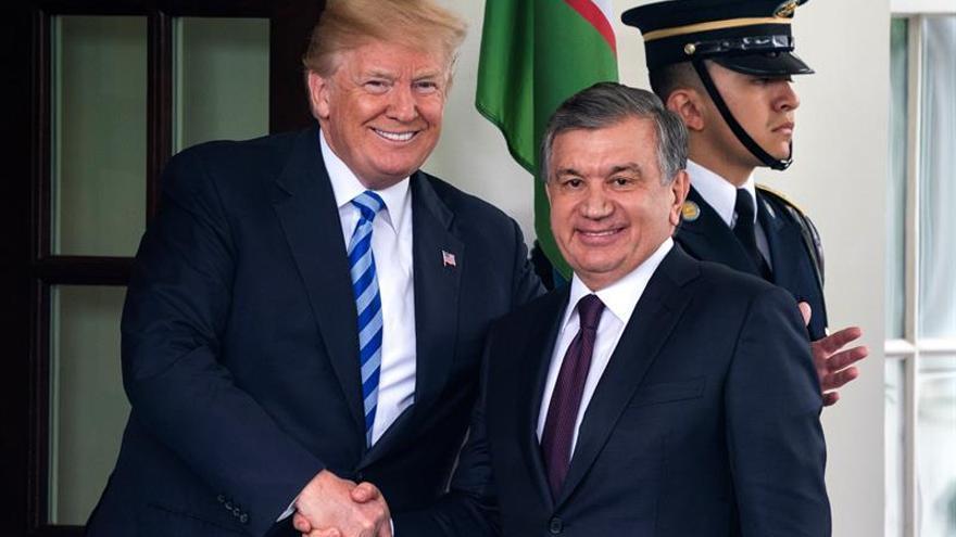 Trump recibe a su homólogo de Uzbekistán, con Afganistán y los derechos humanos en la lista