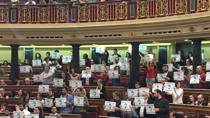 Diputados de Unidos Podemos, Esquerra y Bildu piden la libertad de Bódalo, condenado por agredir a un concejal de PSOE