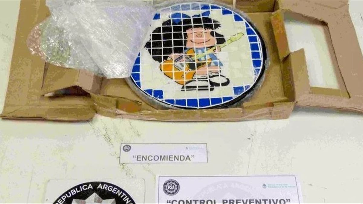 Este plato de Mafalda fue enviado hacia Holanda. Estaba compuesto por azulejitos de cocaína.