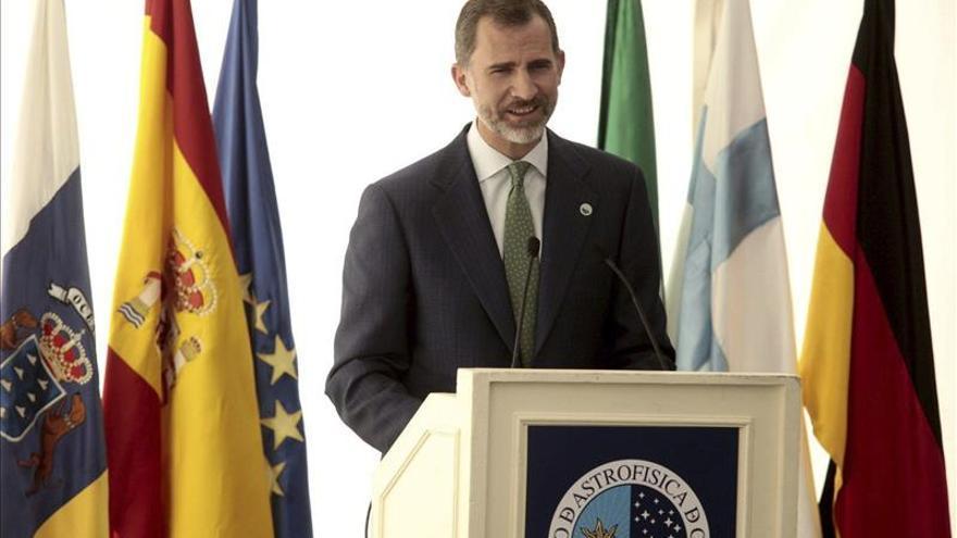 El rey condena la barbarie terrorista que no doblegará la voluntad de libertad y paz