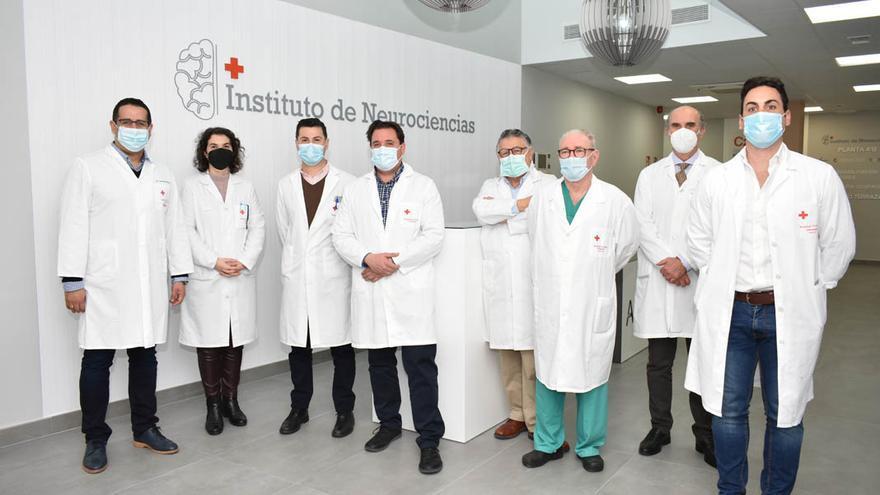 Equipo médico del futuro instituto de Neurociencia.