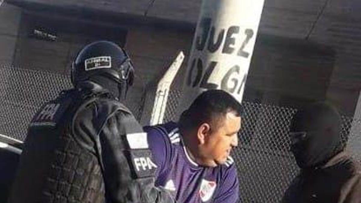 Raúl Cuello, alias El Tuerto, en el momento de ser detenido en Córdoba por narcotraficante.