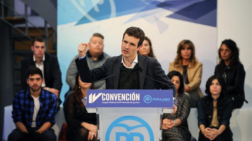 El PP dice no perder un minuto en mirarse el ombligo y está unido junto a Rajoy