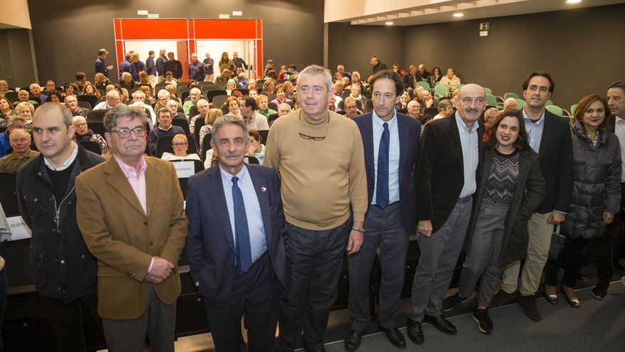 Revilla inaugura el nuevo auditorio municipal de Ajo y anuncia la construcción de la residencia de mayores