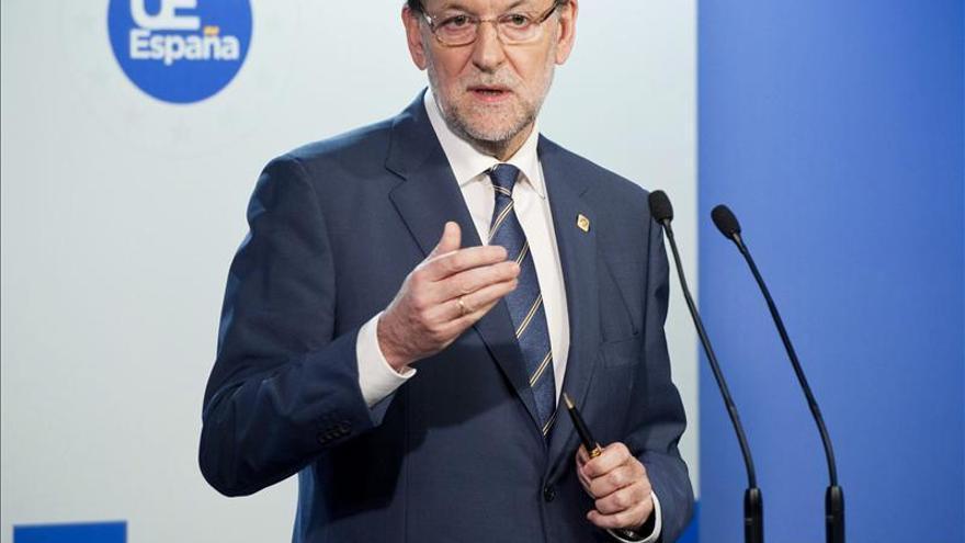 Rajoy dice que el PP no se manifiesta contra un tribunal, sino en apoyo de víctimas