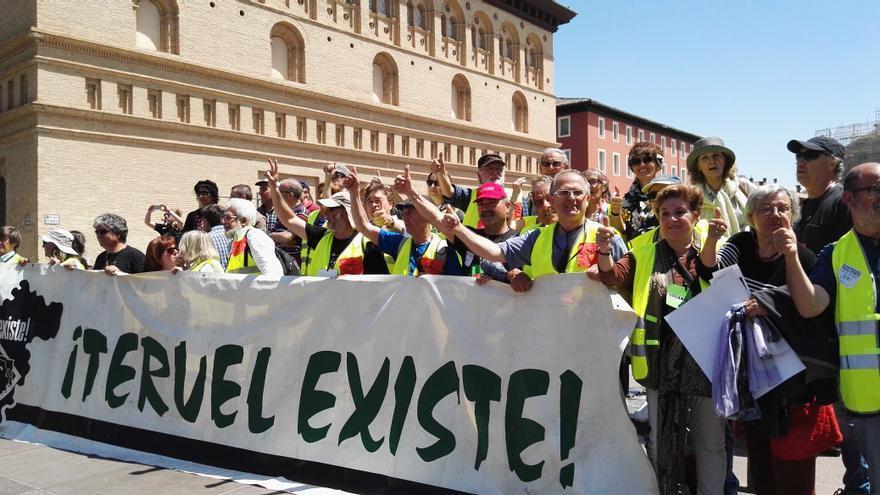 """Manifestación en Zaragoza de 2018, más de 50.000 personas reclaman las promesas incumplidas al gobierno autonómico y nacional, bajo el  lema """"Aragón, ahora, Teruel es tu reto"""""""