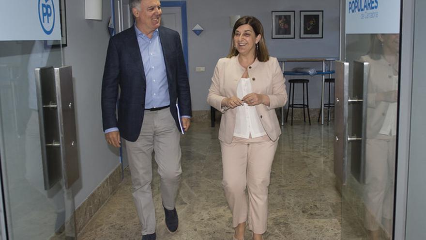 Vidal de la Peña y Buruaga, este lunes en la sede del PP.