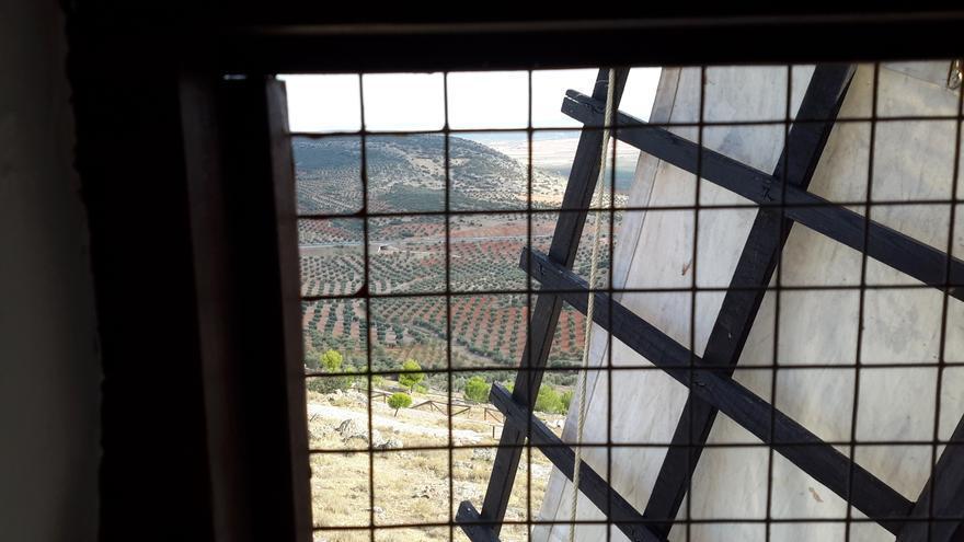 Vista desde el interior del Molino del Tío Zacarías, en Los Yébenes