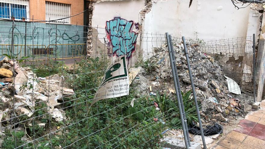 Acequia Zarandona abierta en el barrio del Carmen