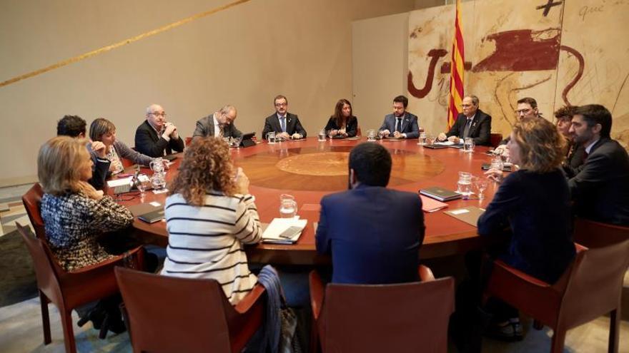 """El gabinete de la Generalitat pide """"aislar"""" a los violentos"""