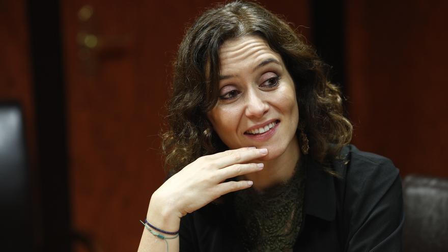 """La portavoz del PP de Madrid ve a independentistas, comunistas y populistas en una """"hoja de ruta"""" hacia la III República"""