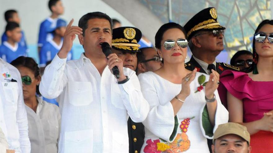Primeras damas de Honduras y Ecuador dialogan sobre protección de la familia