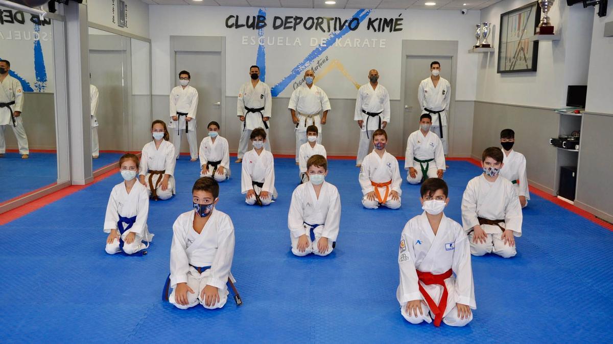 Algunos de los karatecas del Club Kimé