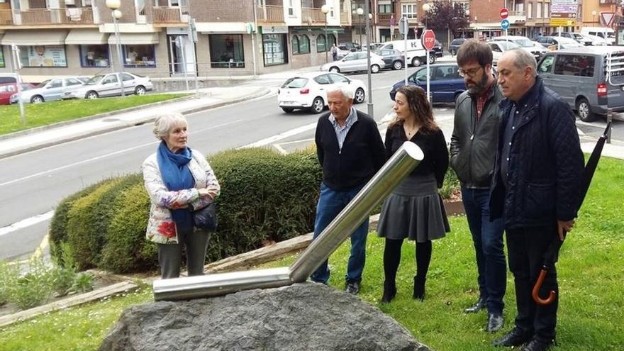 El PSE de Andoain recuerda al periodista José Luis López de Lacalle en el 16 aniversario de su asesinato por ETA
