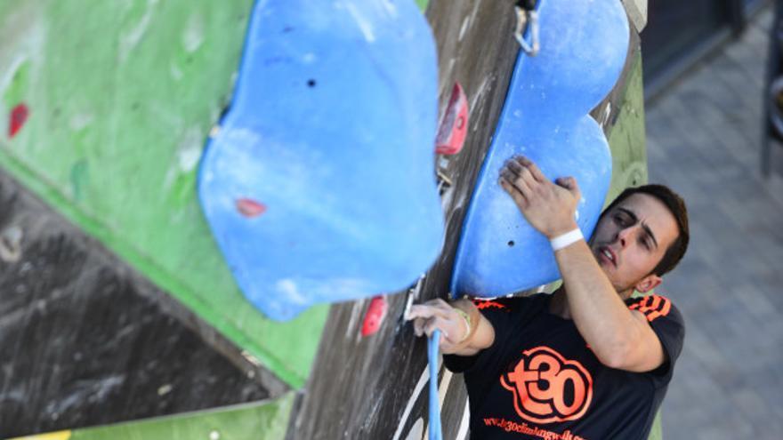 Javi Cano en el Campeonato de España de Escalada de Dificultad celebrado en Zaragoza (© David Munilla / FEDME).