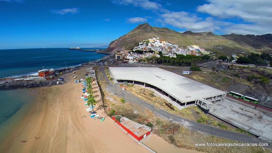 Mamotreto, en la playa de Las Teresitas