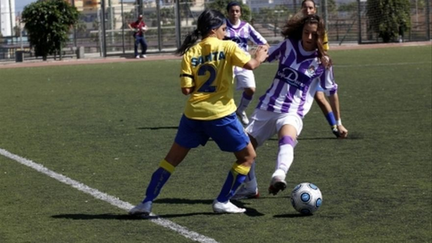 Del partido de la UD Las Palmas y Real Valladolid de la Liga femenina #8