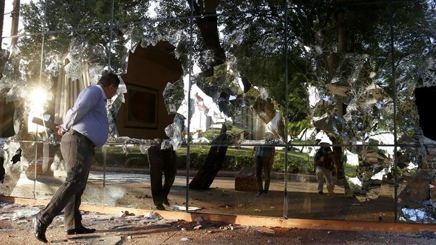 """El BID llama a """"la paz y al diálogo"""" tras protestas violentas en Paraguay"""