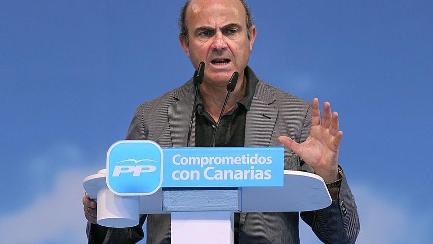 Luis de Guindos se reúne hoy en Génova con la cúpula económica del PP