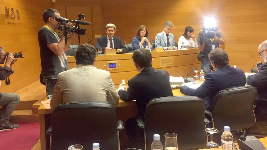 El exconseller popular Vicente Rambla comparece en las Corts Valencianes
