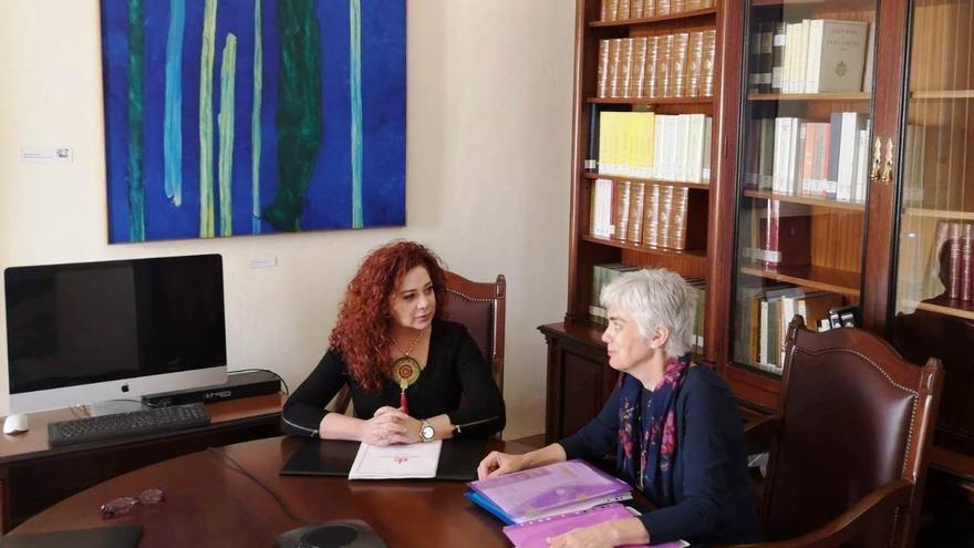 Beatriz Barrera, adjunta especial de Igualdad y Violencia de Género del Diputado del Común, y Ana María Montesinos, abogada.