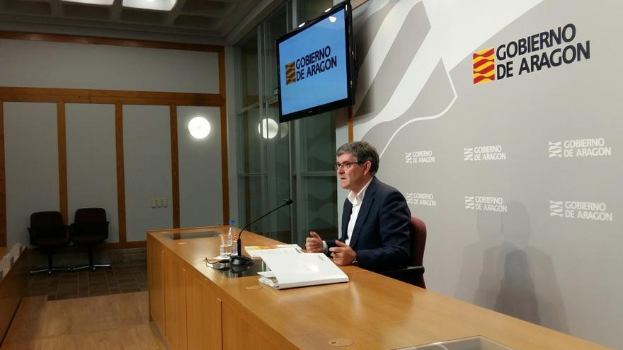 El consejero de Presidencia del Gobierno de Aragón, Vicente Guillén, durante la rueda de prensa sobre el Consejo de Gobierno de este jueves