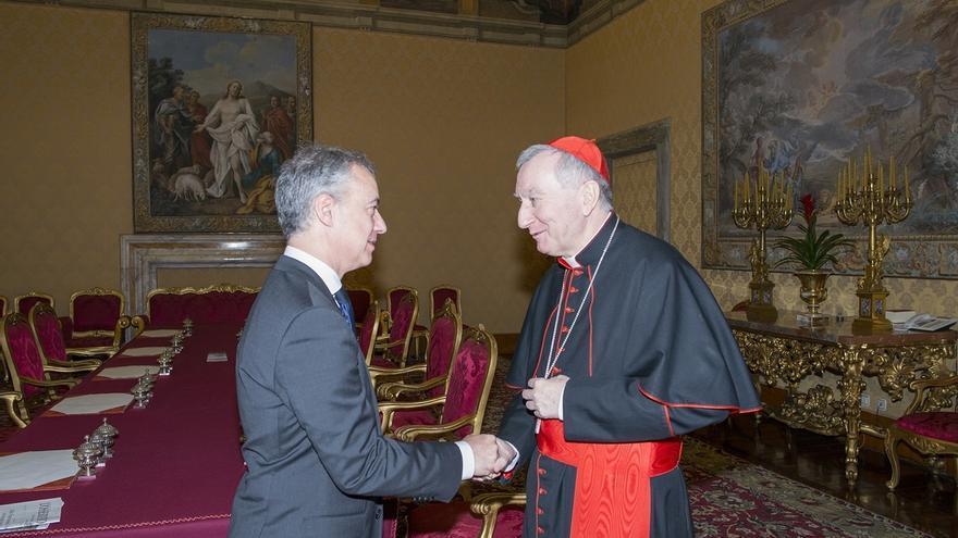 Urkullu traslada al cardenal Parolin una invitación para que el Papa visite Euskadi y le expone los ejes de su Gobierno