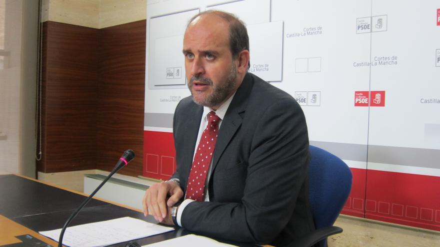 """PSOE C-LM cree que Cospedal tiene """"responsabilidad política clara por acción y por omisión"""" en el 'caso Bárcenas'"""
