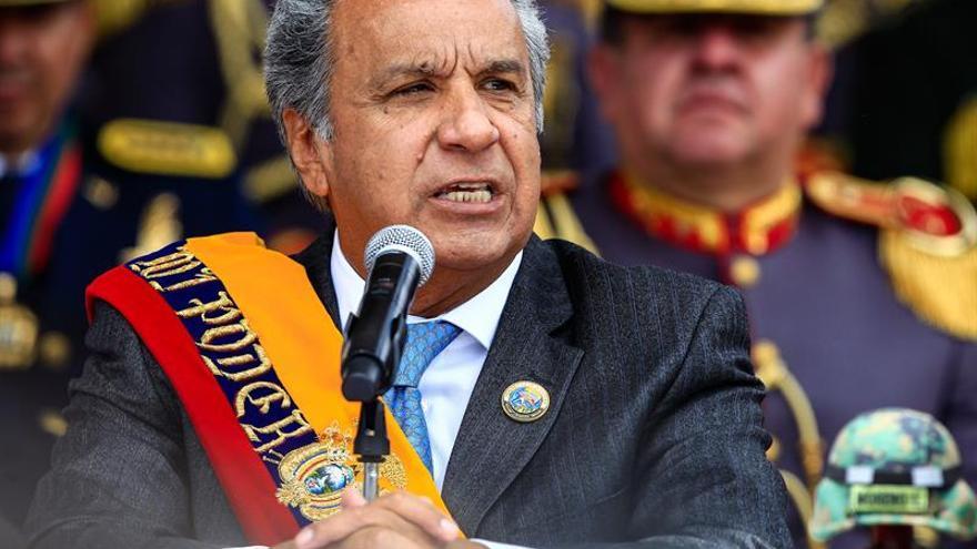 El presidente de Ecuador denuncia el hallazgo de una cámara oculta en su despacho