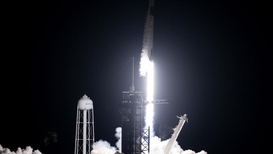 El huracán Ida obliga a aplazar el lanzamiento de carga de SpaceX a la EEI