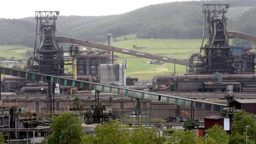 ArcelorMittal descarta ajustes de plantilla en la acería de Gijón (Asturias)
