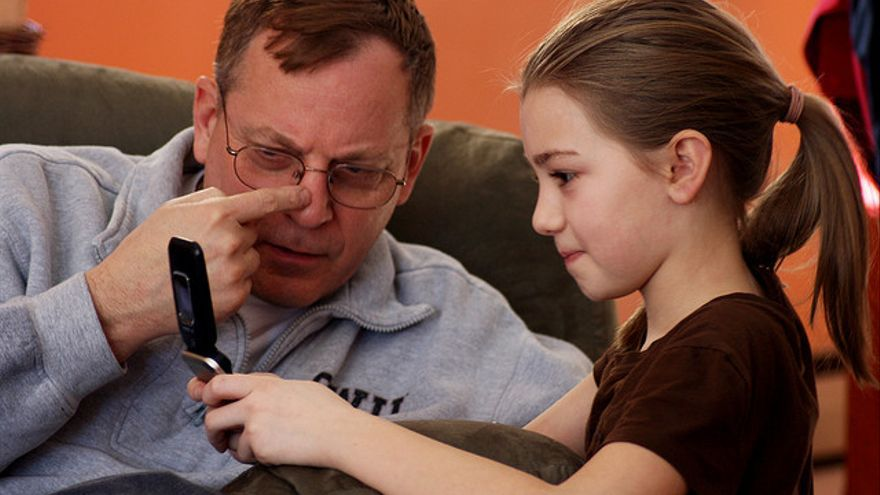 La complicidad entre abuelos y nietos facilita el proceso de aprendizaje
