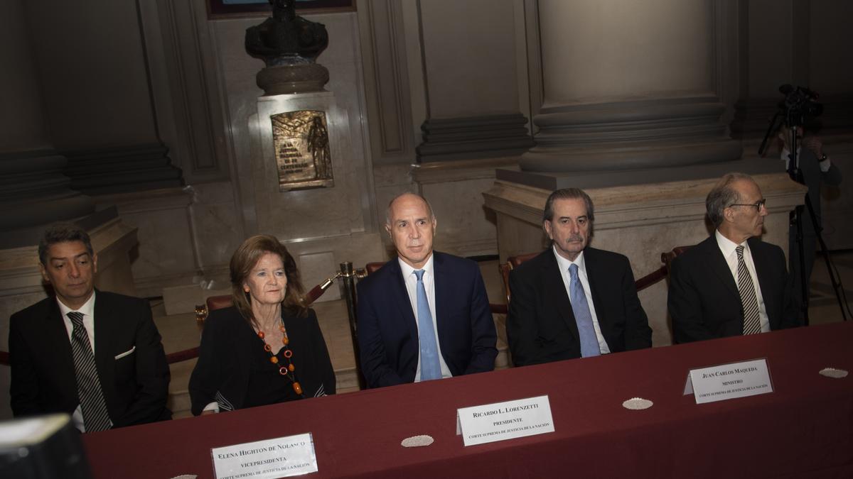 Highton de Nolasco renunció a la Corte Suprema.