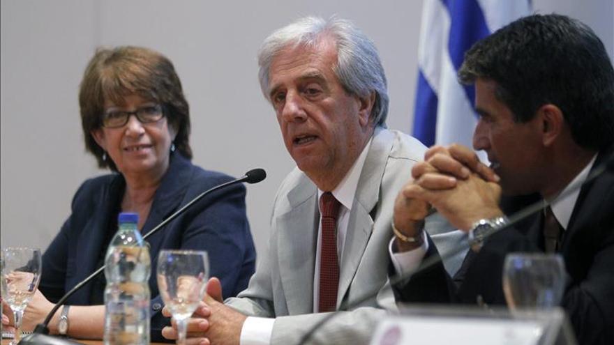 """Tabaré Vázquez dice que """"el principal enemigo de las mujeres es el consumo de tabaco"""""""