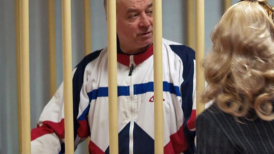 El exespía Serguéi Skripal recibe el alta hospitalaria en Salisbury