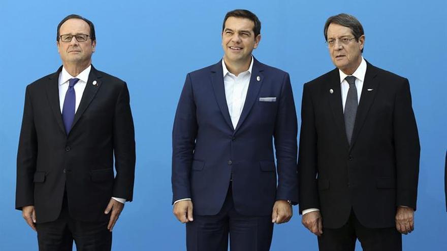 El presidente francés pide dar prioridad al crecimiento económico en el sur de la UE