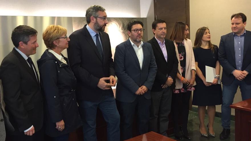 Termina sin acuerdo la reunión entre PP y Cs de Murcia, que mantiene su condición de eliminar aforamientos