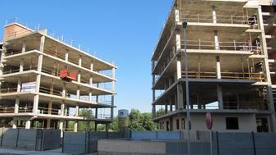 Pisos en construcción en el barrio de Varea