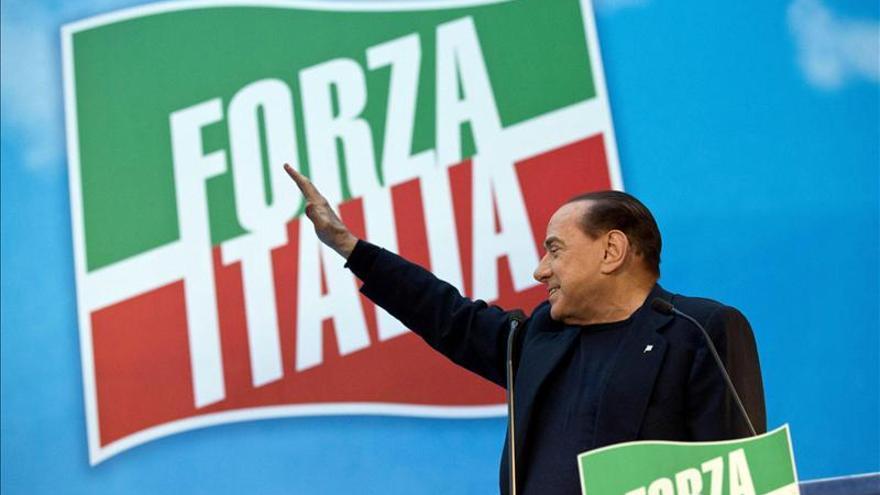 Gobierno italiano acudirá al Parlamento tras salida del partido de Berlusconi