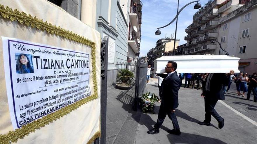 Funeral de Tiziana Cantone en Napoles. | EFE