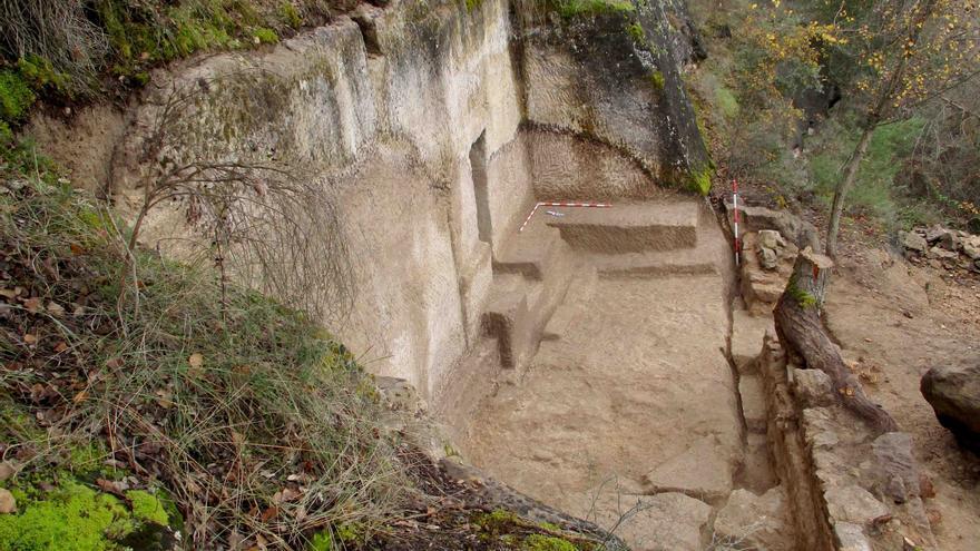 Una excavación en la cabecera del Tajo pone al descubierto una cueva en la que vivieron eremitas en la época tardo-romana o medieval
