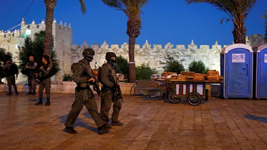 Tres palestinos mueren abatidos por la policía israelí tras atacar en Jerusalén