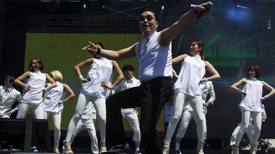 """Seúl erigirá una estatua en honor del """"baile del jinete"""" de """"Gangnam style"""""""
