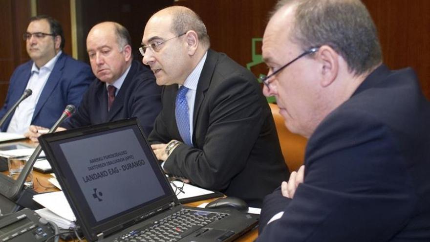 El consejero de Salud, Jon Darpón, en una comparecencia en el Parlamento vasco.