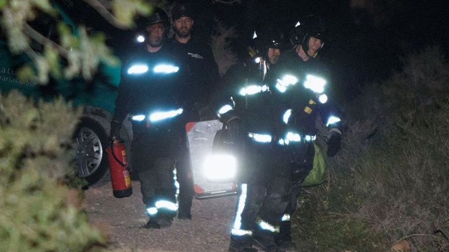 Mueren tres jóvenes en un incendio en Almería y detienen a otros tres