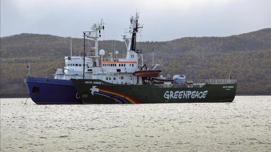 Desmienten el traslado de activistas de Greenpeace a San Petersburgo