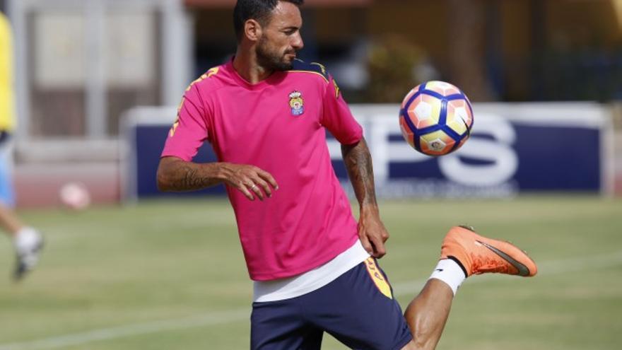El jugador amarillo Jerónimo Figueroa, Momo (UD Las Palmas)