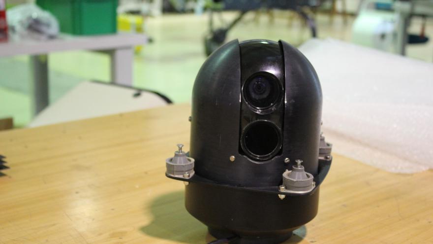 Plataforma de las cámaras (infrarrojo y de espectro visible) de ALO (Foto: Cristina Sánchez | INTA)