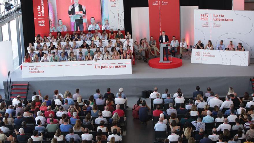 El secretario general del PSPV, Ximo Puig, clausura el XIII Congreso Nacional de los Socialistas Valencianos