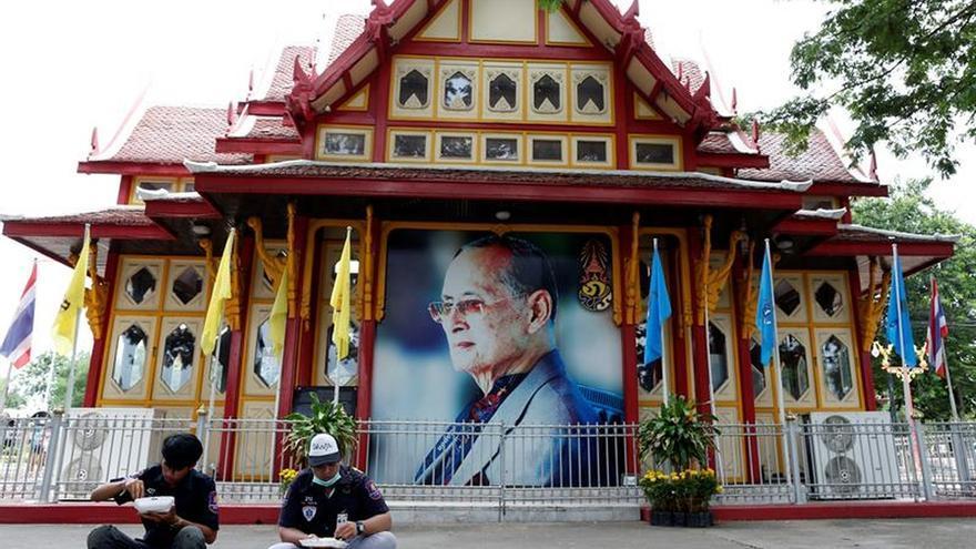 La junta de Tailandia aprueba dejar de juzgar civiles en tribunales militares